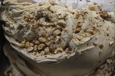Helado artesano de avellana de Puro&Bio elaborado con ingredientes ecológicos